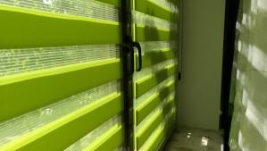салатовые рулонные шторы «День - Ночь»